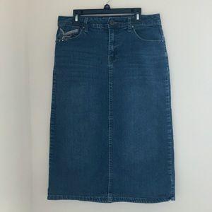 Cato • medium wash midi jean skirt